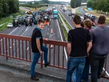 Protestboeren op snelweg wacht zware straffen, hoogleraar: 'Wet gaat boven recht op demonstratie'