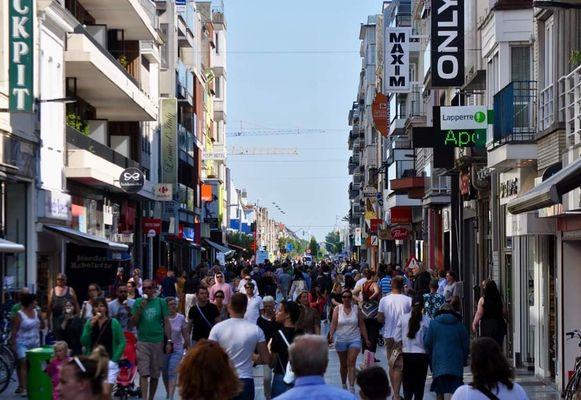 Op zondag was het erg druk in de Kerkstraat, op maandag was dat al minder.