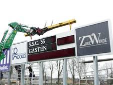Scorebord RKC Waalwijk geïnstalleerd bij het hoofdveld van SSC'55