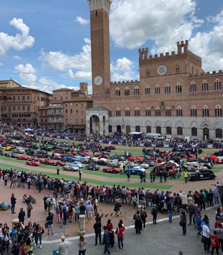 Drie Ferrari's, waarde 10 miljoen euro, in het wild: in deze rally is het heel gewoon