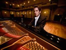 Meesterpianist terug in Deventer Schouwburg