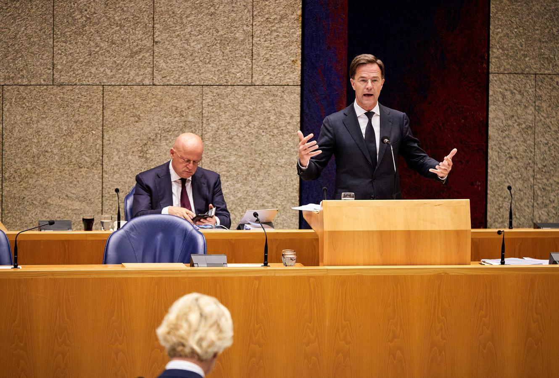 Premier Mark Rutte aan het woord tijdens het debat over racisme in de Tweede Kamer.