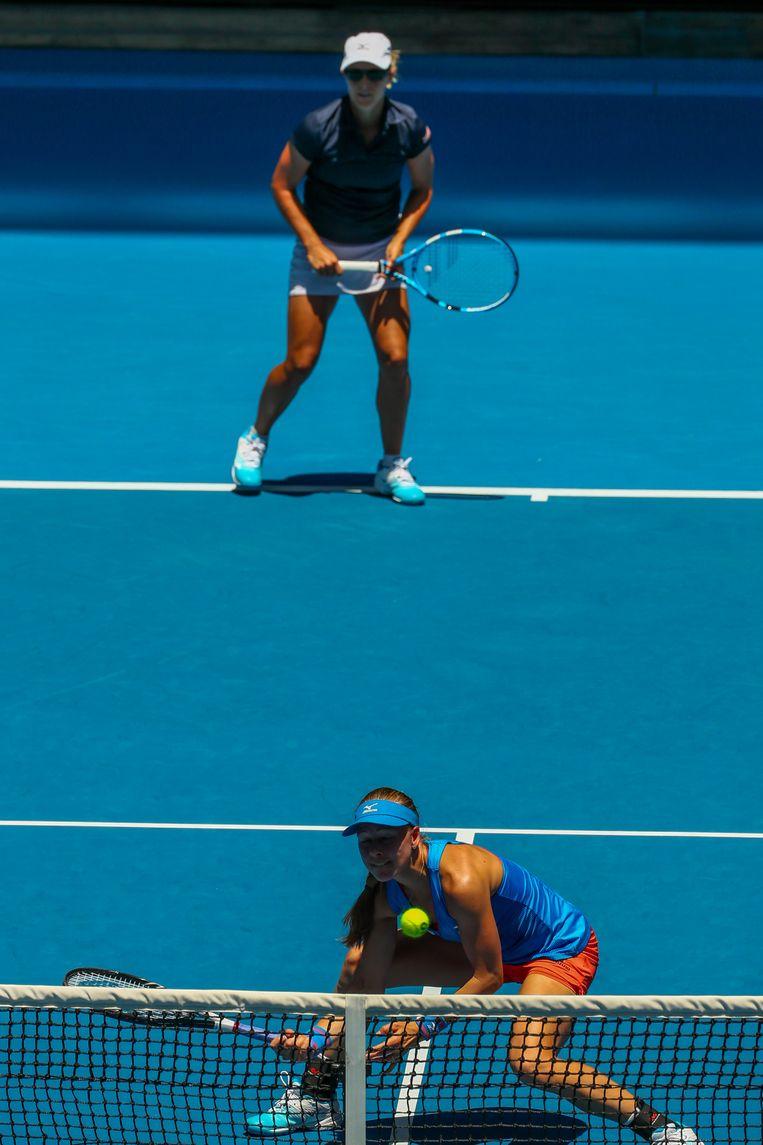 Flipkens dubbelde op de Australian Open met Johanna Larsson.