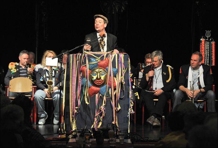 De Boxmeerse tonprater Frank Schrijen als Gradje Boemel in De Mallemolen in Groesbeek.