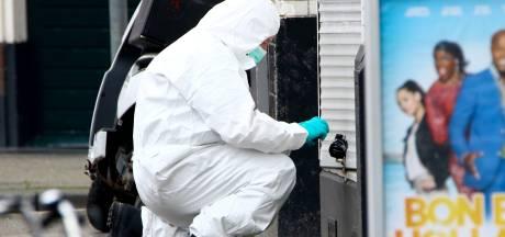 Handgranaten gevonden voor deur waterpijpzaak Schiedamseweg