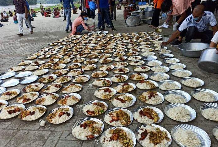 Voedselhulp in Nepal.