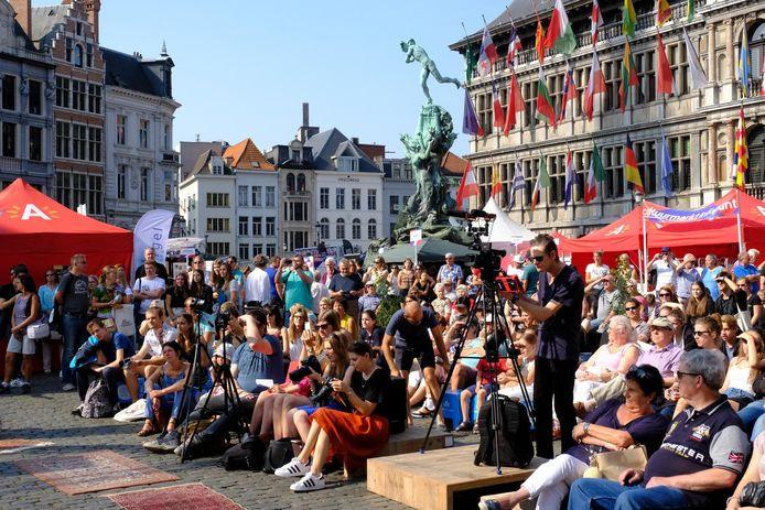 Een archiefbeeld van de Cultuurmarkt uit 2017.