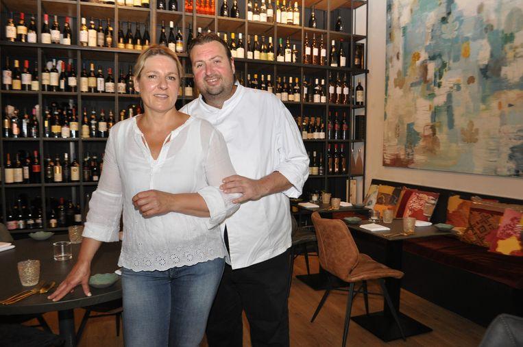 Gastvrouw Tineke Dols en Chef Danny Vanderhoven sluiten met spijt De Griffie.