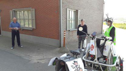 Dagverzorgingscentrum bezoekt mensen thuis met rolstoelfiets