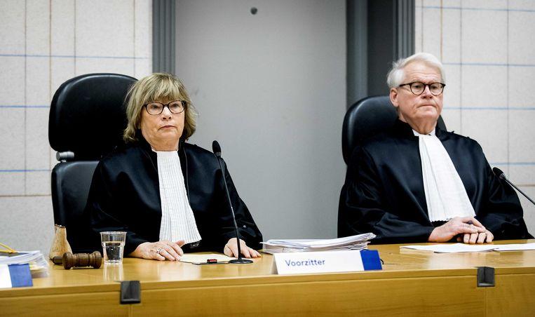 Rechters bij  een pro forma zitting in de zaak van het in 2015 overleden meisje Sharleyne uit Hoogeveen.  Beeld ANP