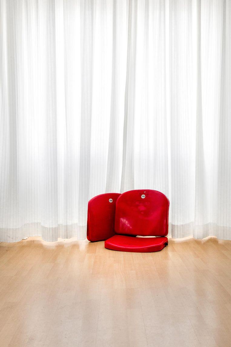Oude stoeltjes uit de Johan Cruijff Arena te koop | Het Parool