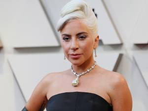 Lady Gaga se lance dans le maquillage