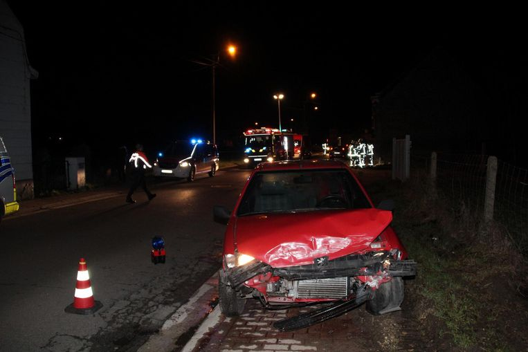De wagen raakte bij het ongeval zwaar beschadigd.