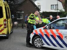 Man gewond aan hoofd na te zijn geschept door auto in Renkum