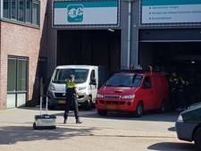 Grote inval bij bedrijf in Wijk en Aalburg; vijftig agenten doorzoeken bedrijf