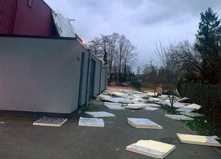 De dakisolatie van de sporthal in Kampenhout ging vliegen. De sporthal werd daarom ontruimd.