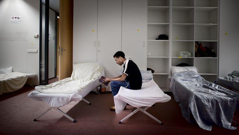 In januari werd aan de Laan van Vlaanderen een tijdelijke nachtopvang voor daklozen geopend vanwege de kou. Beeld Rink Hof/Het Parool
