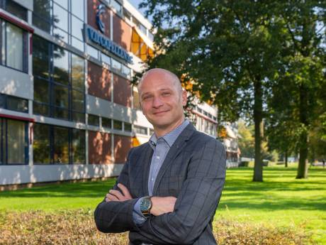 De verbouwing van deze school in Zwolle zou eerst 7 miljoen euro kosten, maar nu 27