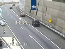 Automobilisten negeren rode kruizen, verbodsbord én afzetting bij afslag Schiedam-Noord