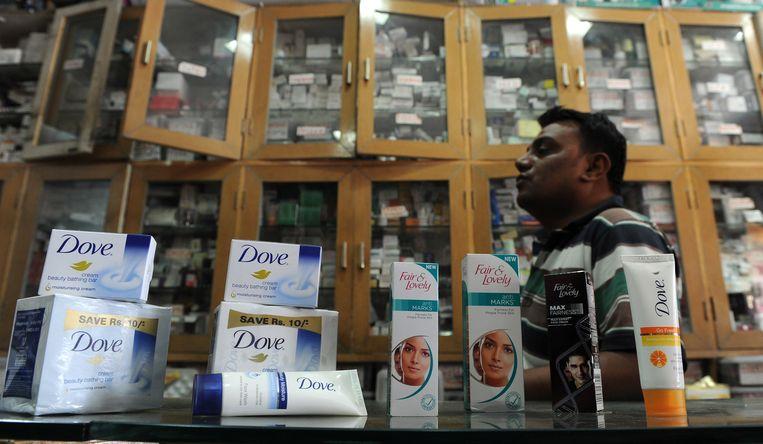 Unilever-producten in een winkel in New Delhi, India. Beeld AFP