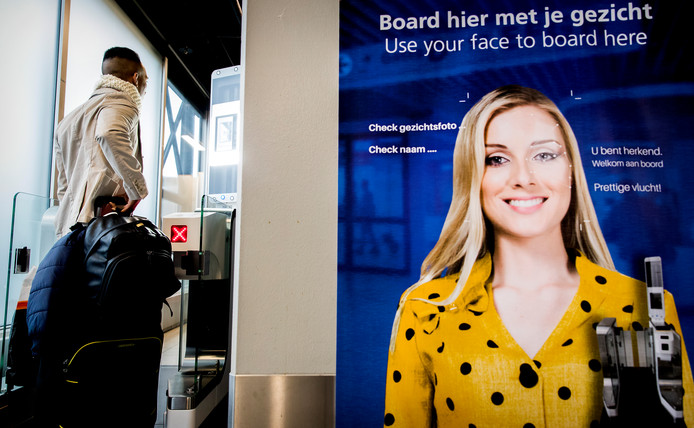 Biometrisch boarden op Schiphol.