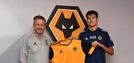 Justin Hubner (17) tekent eerste profcontract bij Wolves
