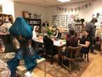 Winkelnieuws: haken en korsetten maken in Galerij