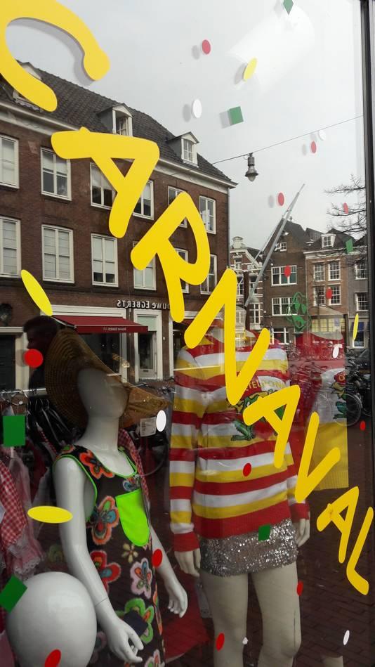 Bijna Pasen, toch nog carnaval in de Visstraat