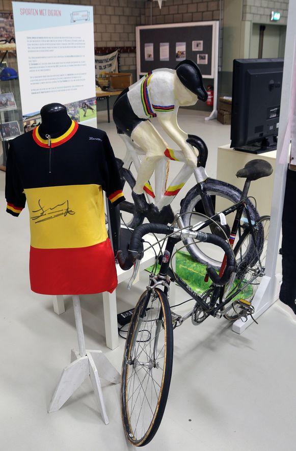 De fiets en Belgische kampioenetrui van Ward Sels