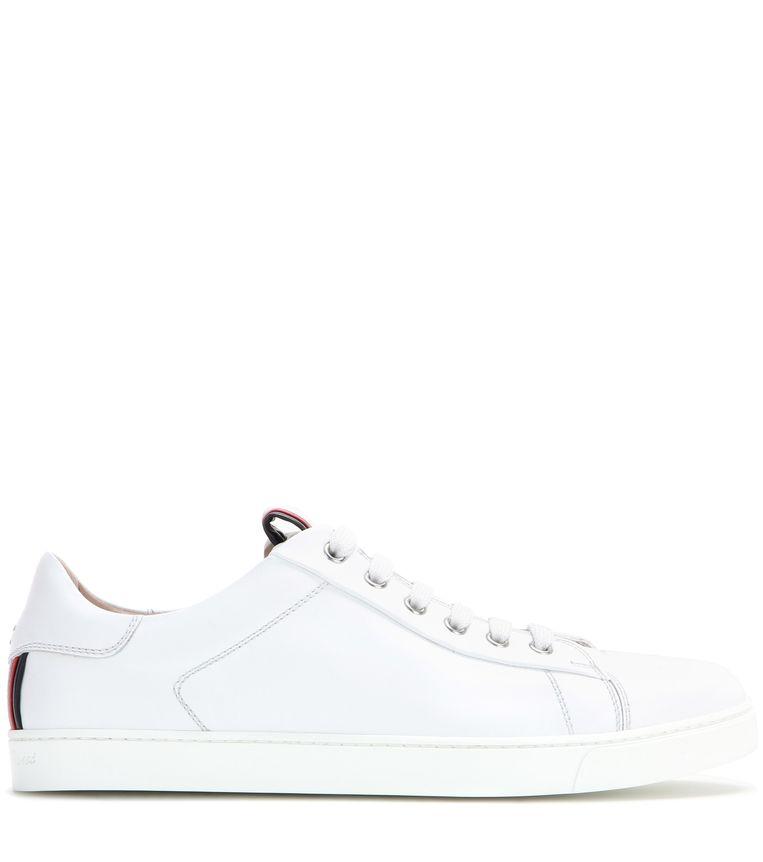 Witte leren sneaker van Gianvito Rossi, € 470. mytheresa.com Beeld null