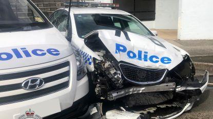 Bestelwagen met 125 miljoen euro aan crystal meth botst op politievoertuigen