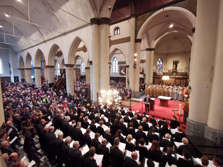De Sint-Michielskerk in Roeselare zat vol.