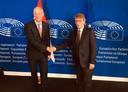 Minister Stef Blok van Buitenlandse Zaken ontmoet David Sassoli, de voorzitter van het Europees Parlement.