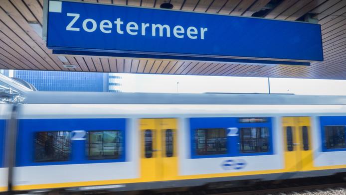 Zoetermeer zou als derde stad van Zuid-Holland wel degelijk een vaste intercitystop moeten worden.