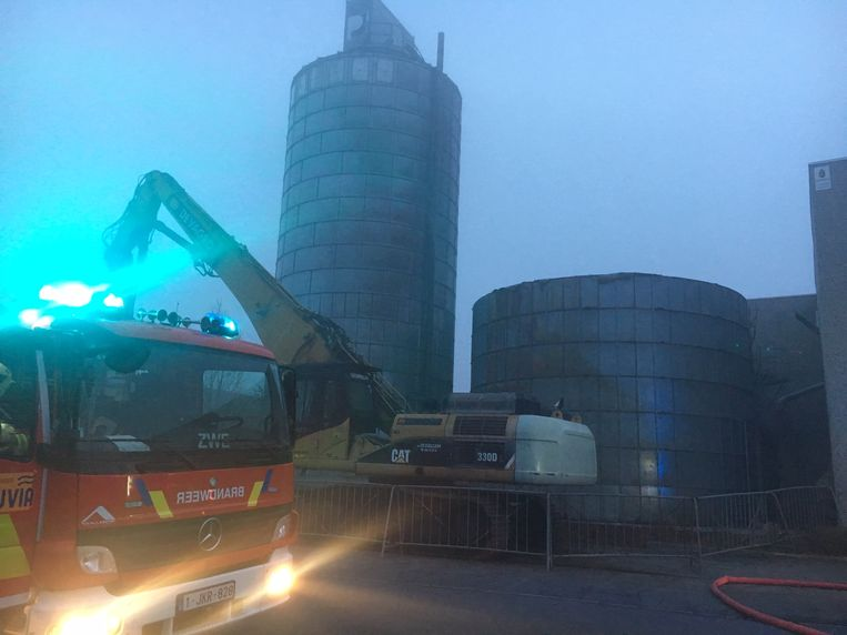 Amper twee maanden na de dodelijke stofexplosie rukte de brandweer opnieuw naar Pouleyn uit. De ontplofte silo is ondertussen al half afgebroken.