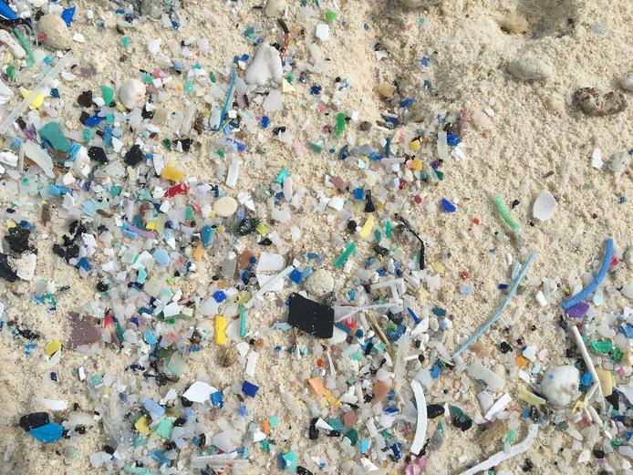 Plus de 400 millions de fragments ont été découverts sur les rivages de sable blanc des iles Cocos.