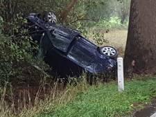 Auto belandt in sloot in Ruurlo