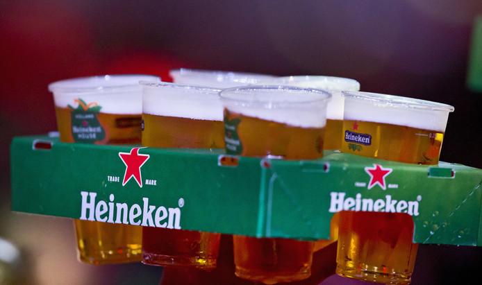 Minderjarige jongeren komen moeiteloos aan drank in de horeca.