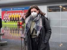 Weinig mondkapjes op Eindhoven Airport; 'In Napels draagt bijna iedereen zo'n ding'