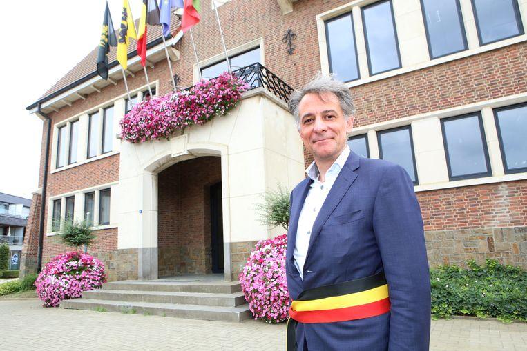 TIELT-WINGE-burgemeester Rudi Beeken