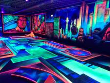 Van der Ende Racing Inn introduceert 3D glow in the dark minigolf