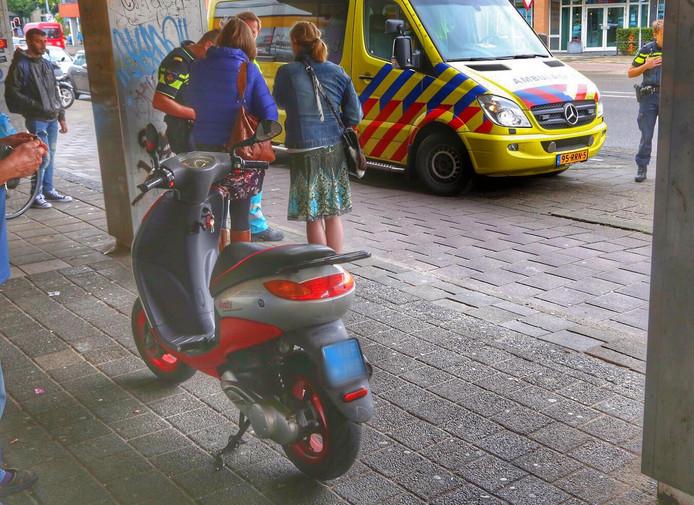 Scooter aangereden door auto op Boschdijk