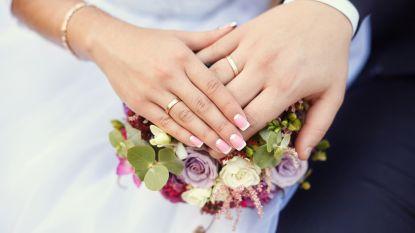 Pas getrouwd koppel verongelukt 2 minuten na bruiloft