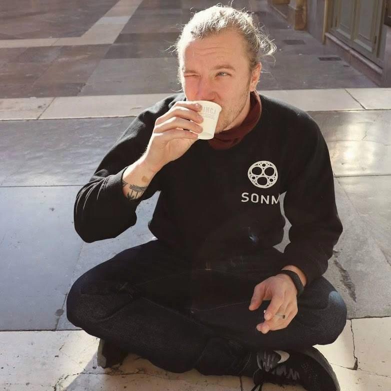 Billy woont drie jaar in Barcelona en werd dit weekend opgepakt toen hij de protesten in de stad bezocht.