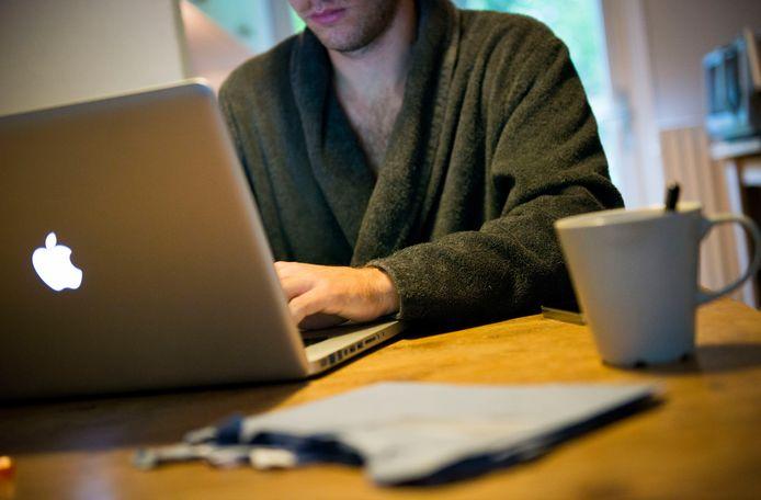 Specialisten en medewerkers van de Achterhoekse ziekenhuizen kunnen weer vanaf huis inloggen in de computernetwerken van de ziekenhuizen.