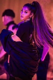 Ariana Grande komt voor slachtoffers terug naar Manchester