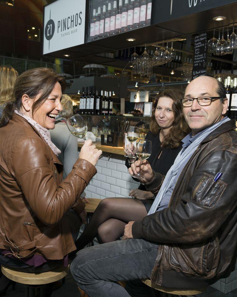 Tapasbar Pinchos 21 in de Markthal, Rotterdam. Beeld Ivo van der Bent