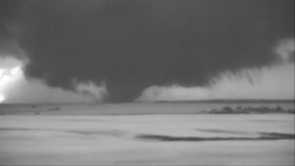 Straffe beelden: enorme trechterwolk boven Texas