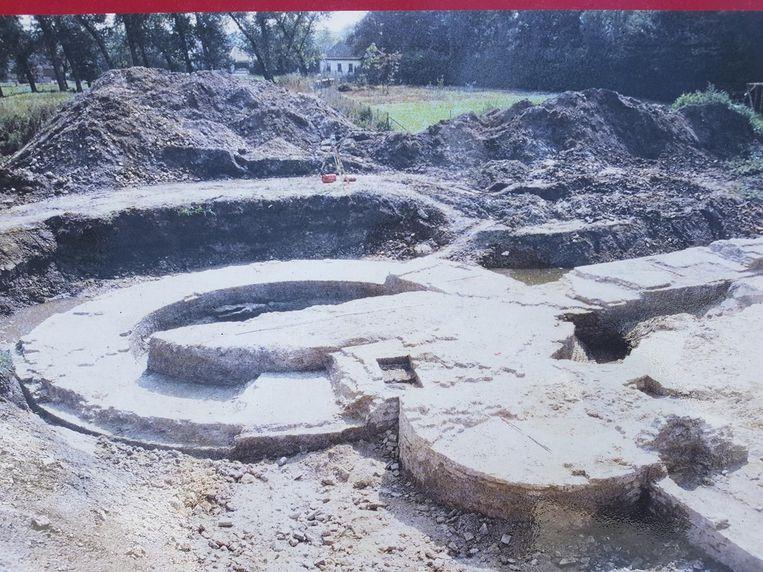 15 jaar geleden lagen resten van het kasteel bloot. Vanaf volgend jaar moeten ze weer te zien zijn.