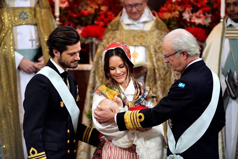 Prins Carl Philip met prinses Sofia, koning Carl Gustaf en Gabriel.